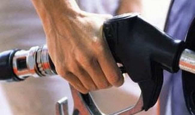 ΕΛΠΕ: Πρωτοφανής η πτώση της κατανάλωσης καυσίμων