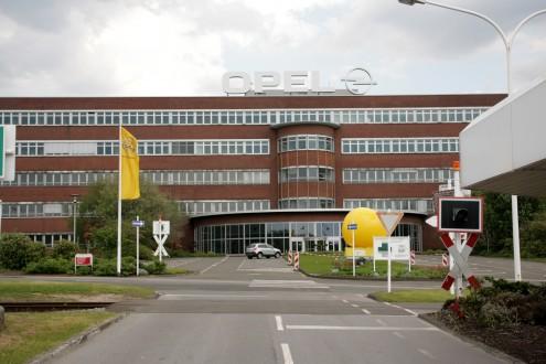Η Opel κλείνει το 2016 το εργοστάσιο στο Μπόχουμ