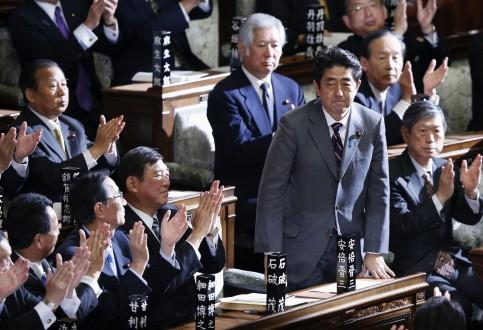 Πρωθυπουργός της Ιαπωνίας (και επίσημα) ο Σίνζο Άμπε