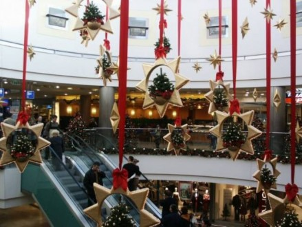 Το εορταστικό ωράριο έως και την Πρωτοχρονιά