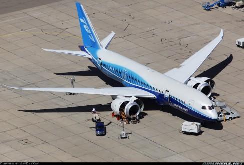 Καθηλώνονται τα Boeing 787 σε όλο τον κόσμο