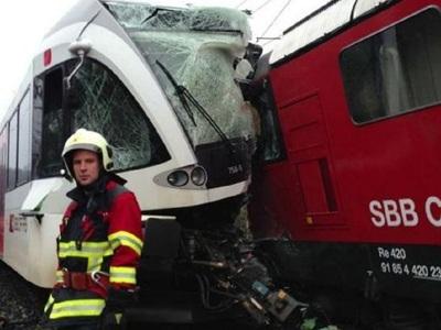 Σύγκρουση δύο τρένων με 11 τραυματίες στην Πορτογαλία