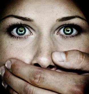 «Βάλτε τέλος στον πόλεμο κατά των γυναικών»