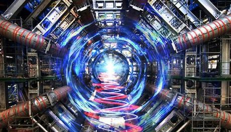 Διακόσιοι Έλληνες επιστήμονες στο CERN