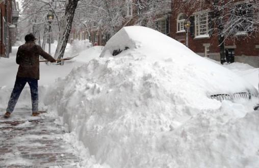 Σφοδρές χιονοθύελλες πλήττουν τις ΗΠΑ