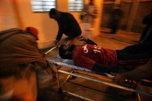 Πακιστάν:Τουλάχιστον 16 νεκροί από βομβιστική επίθεση