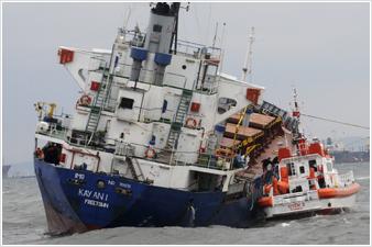 Τρεις τραυματίες σε σύγκρουση πλοίων στο Βόσπορο