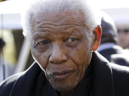 Στο νοσοκομείο ξανά ο Μαντέλα