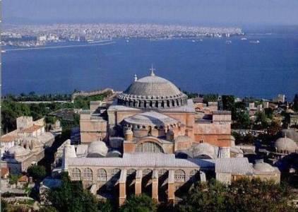 Κωνσταντινούπολη: H Τουρκία επιστρέφει δημευμένο σχολείο στην ελληνική μειονότητα