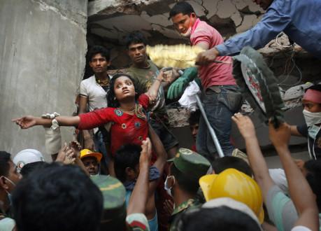 Στους 413 οι νεκροί στο Μπαγκλαντές
