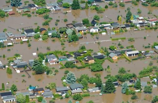 Υπό το φόβο των πλημμυρών παραμένει η Κεντρική Ευρώπη