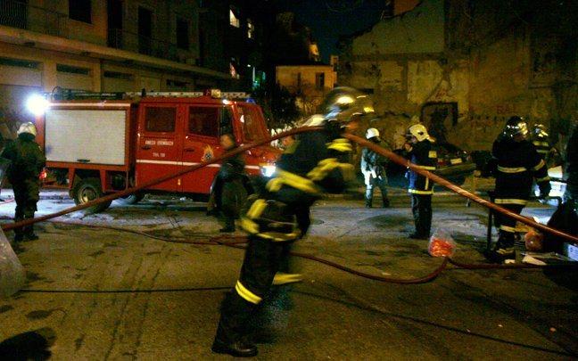 Παρανάλωμα του πυρός έγινε διώροφο στο κέντρο της Αθήνας