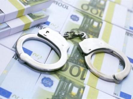 Σύλληψη αγρότη και συμβολαιογράφου για χρέη στο δημόσιο
