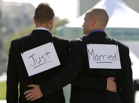 Κατά... λάθος νομιμοποίηση γκέι γάμων