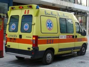 Νεκρός σε σύγκρουση ΙΧ με λεωφορείο στην Πατρών-Κορίνθου