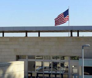 Την Κυριακή ανοίγουν οι 18 αμερικανικές πρεσβείες στη Μ. Ανατολή