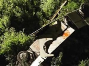 Κούρσα θανάτου για δεκάδες επιβάτες λεωφορείου