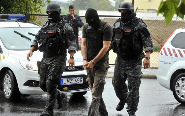Καταδικάστηκαν τέσσερις άνδρες για δολοφονίες Ρομά