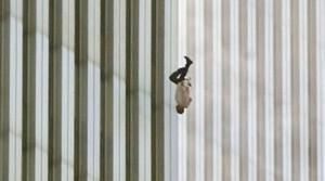«Ο άνθρωπος που πέφτει» στοιχειώνει ακόμα τις ΗΠΑ