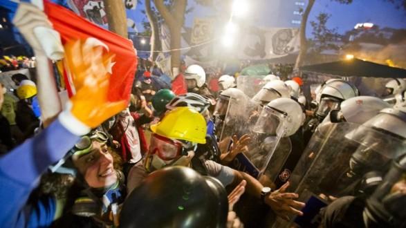 Πεδίο μάχης ξανά η Κωνσταντινούπολη