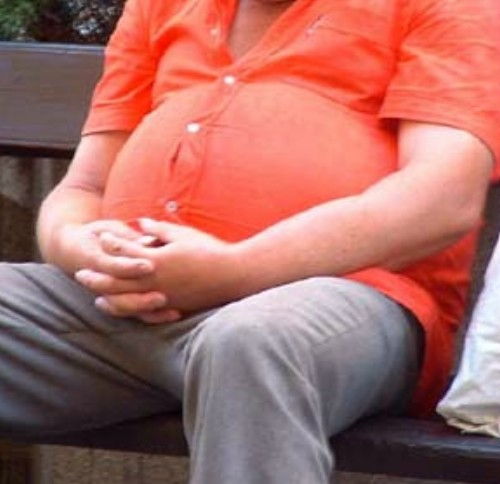 Η έλλειψη μιας βιταμίνης ευθύνεται για την παχυσαρκία