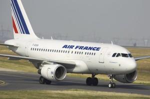 Δεκάδες πτήσεις ακυρώθηκαν στη Γαλλία