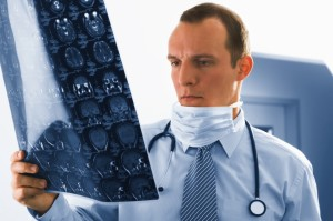 Αυτές είναι οι 10 πιο καλοπληρωμένες ιατρικές ειδικότητες