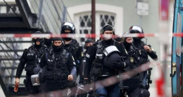 Γερμανία: Σάλος για την πρόταση του AfD να πυροβολούνται οι μετανάστες
