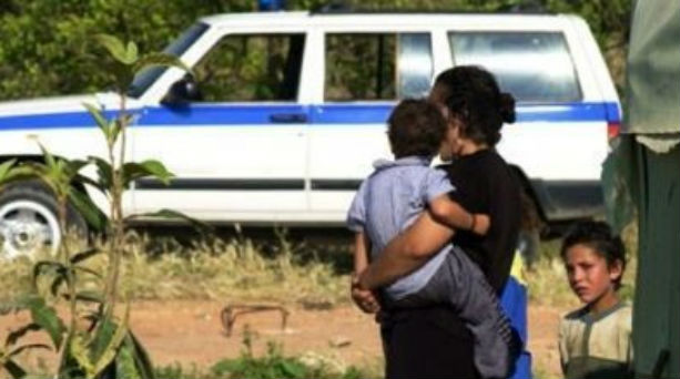 Δεν είναι οι Ρομά βιολογικοί γονείς του βρέφους στη Μυτιλήνη