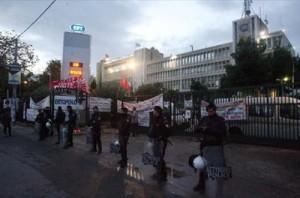 Διεθνής κατακραυγή για την εισβολή στην ΕΡΤ