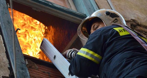 Ναύπλιο: Πυρκαγιά στο σπίτι ηλικιωμένης