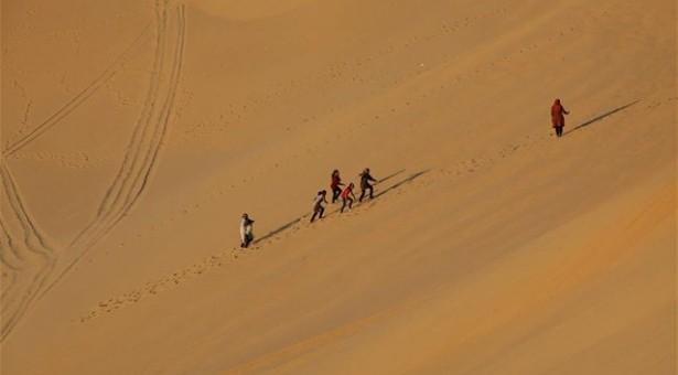 Πέθαναν από δίψα 92 μετανάστες στην έρημο
