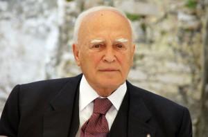 Στην Αλβανία ο Κ. Παπούλιας