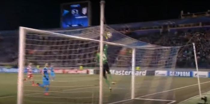 Απίστευτο αυτογκόλ στο Champions League! (Βίντεο)