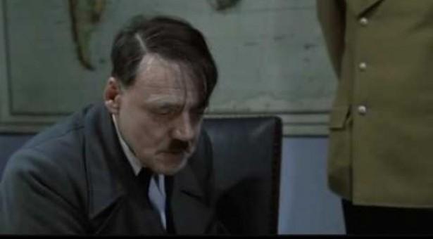 Ο Χίτλερ ενημερώνεται για τα... καμώματα του Λιάπη