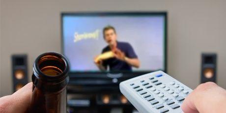 Νέα παράταση για την επιβολή φόρου στις διαφημίσεις