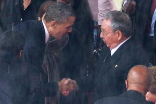 Ιστορική χειραψία Ομπάμα με Ραούλ Κάστρο