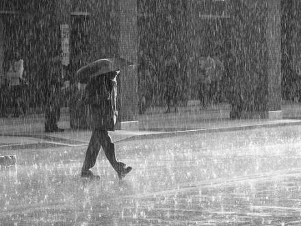 Τοπικές βροχές από το απόγευμα