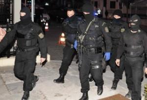 Συλλήψεις και σαρωτικές έρευνες από την αντιτρομοκρατική