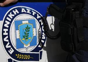 Περιπετειώδης καταδίωξη με πυροβολισμούς και τραυματίες στον Πειραιά