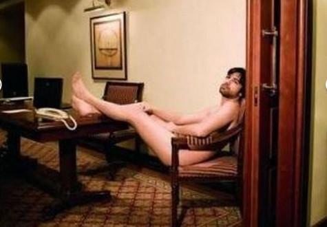 Πρωταγωνιστής του «Μπρούσκο» γυμνός