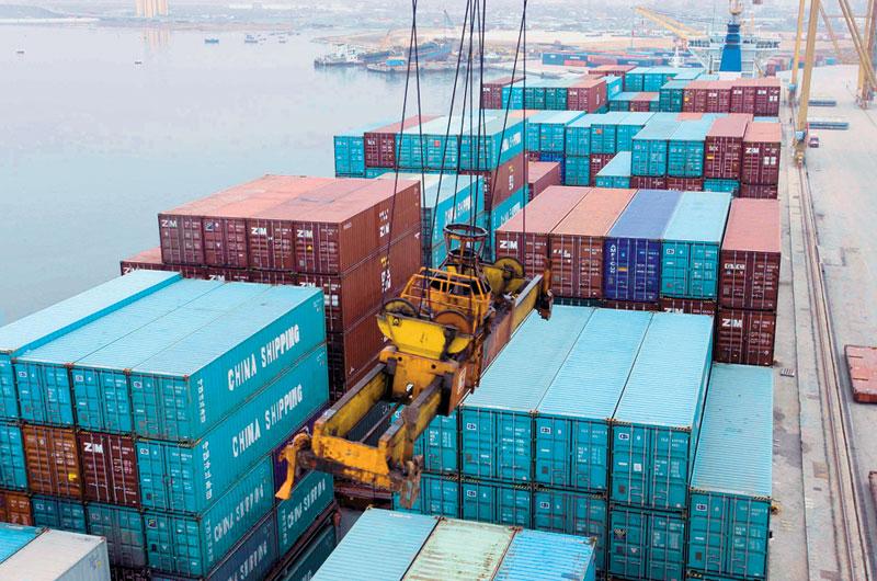 Χέρι- χέρι η βουτιά σε εισαγωγές και εξαγωγές