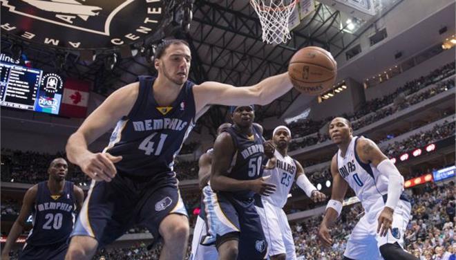 NBA: Κολόνα των Γκρίζλις ο Κουφός (βίντεο)