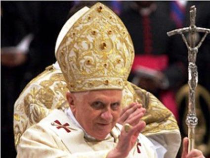 Ο Πάπας Βενέδικτος «ξύρισε» 400 παιδόφιλους ιερείς