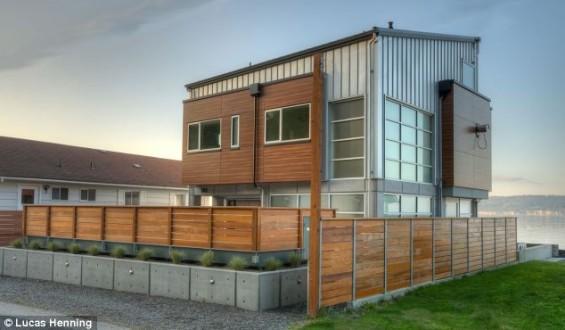 Το γυάλινο σπίτι που αντιστέκεται και σε τσουνάμι