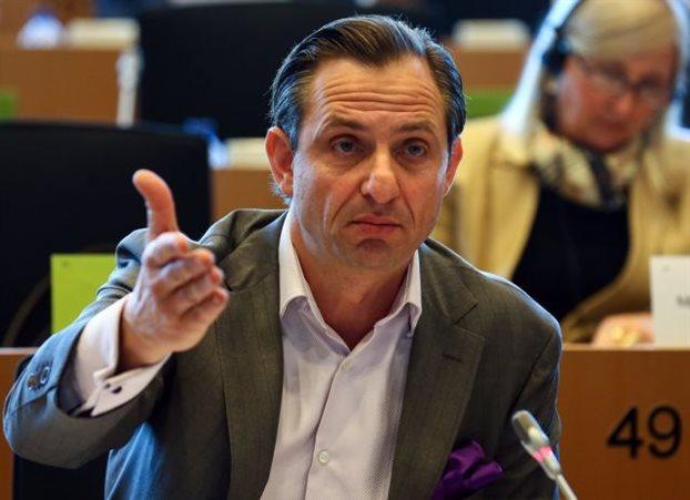 Παράθυρο για κάθοδο στις εθνικές εκλογές άφησε ο Χατζημαρκάκης