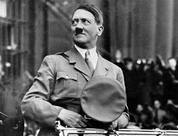 «Άσεμνες» φωτογραφίες του Χίτλερ