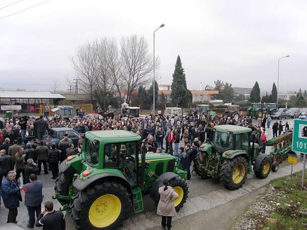 Συμβολικός αποκλεισμός της Εγνατίας από αγρότες