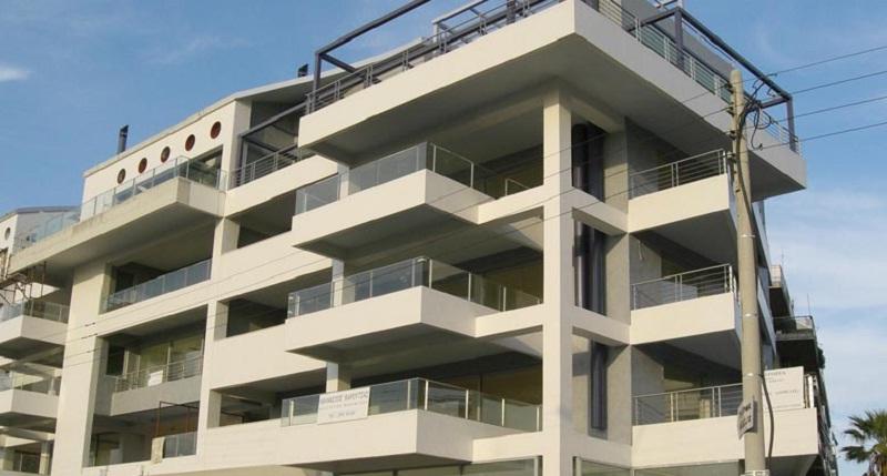 Alpha Bank: Η πτώση των τιμών των κατοικιών θα περιοριστεί