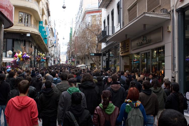 Σταθερό και διπλό προβάδισμα του ΣΥΡΙΖΑ